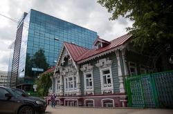 Старые особняки Перми: купеческая баня доросла до «водного» НИИ, а губернаторский дом - до центра красоты