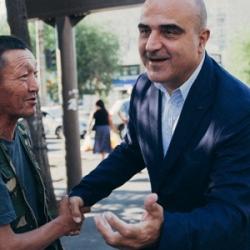 Бывший главный архитектор Барселоны прогулялся с Buro 24/7 по перекопанному Алматы и рассказал, что он об этом думает