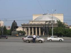 Новосибирский театр стал как Большой