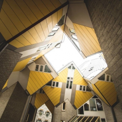 Архитектура: Кубические дома Пита Блома