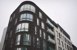 Самый нежный цвет в архитектуре. 7 чёрных домов Москвы