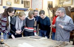 Ради чего люди учатся помогать реставраторам