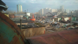 «Мне шуметь особо негде было, только в гараже»: как в Москве сносят многотысячный гаражный поселок «Шанхай»