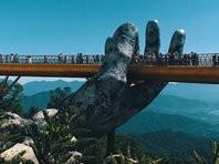 Во вьетнамском Дананге открыли высотный мост, который поддерживают огромные ладони