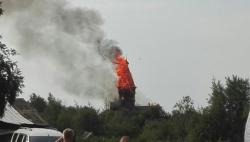 Успенская церковь горит в Кондопоге