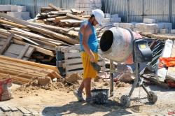 Немногочисленные рабочие, кирпичи и ракушняк: как проходит реставрация Воронцовской колоннады