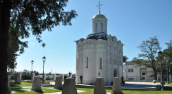 На месте захоронения советских солдат в австрийском Лаа-ан-дер-Тайя освятили храм