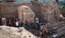 В Гродно археологи нашли деревянный дом 14 века – и он отлично сохранился