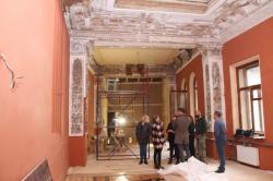 Красной гостиной в доме фон Дервиза вернули исторический облик