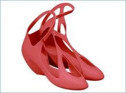 Замысловатые туфли от звезд архитектуры