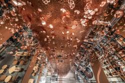 Японская кофейня: сакура, оригами и медная бочка в четыре этажа