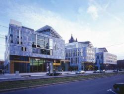 Жилой комплекс Dom Quartier в Магдебурге (2003)