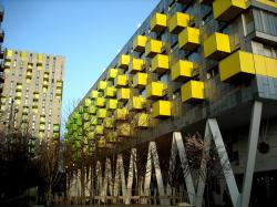 Образовательный центр района Баркинг в Лондоне. 2007 (перестройка библиотеки в образовательный центр с социальным жильем сверху)