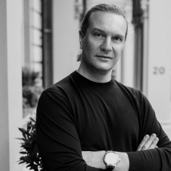Олег Клодт: «Мы не знаем, как жить в этом новом мире технологий»