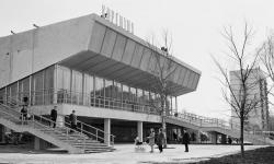 «Зачем вам эти руины?»: что происходит со старыми советскими кинотеатрами