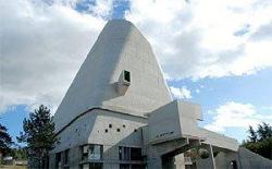Ле Корбюзье. Церковь Сен-Пьер в Зеленом Фирмини