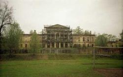 В Ленобласти памятники страдают не меньше, чем в Петербурге