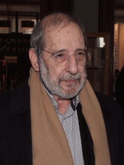 Алвару Сиза в 2012 году