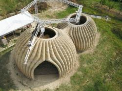 Дом TECLA в Болонье напечатан на 3D-принтере из местной глины