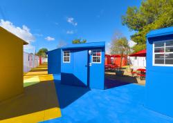 В Лос-Анджелесе построили деревню для бездомных по проекту бюро Lehrer Architects