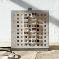 «Каждая панелька — это памятник»: кто превращает русскую тоску в сувениры