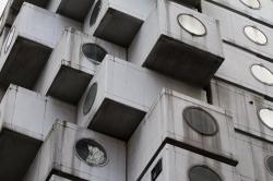 В Токио планируют разобрать капсульную башню «Накагин» Кисё Курокавы