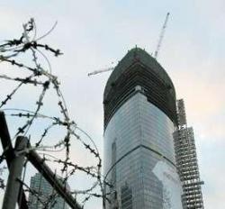 """Флаги на башнях. Крупные девелоперские проекты останутся """"на плаву"""""""