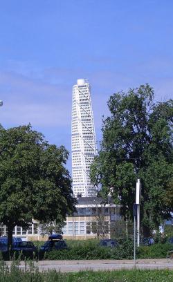 «Поворачивающийся торс» (Turning Torso), Мальмё, Швеция