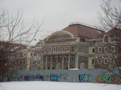 Антикризисное дворцовое строительство. В центре Екатеринбурга заканчивается строительство комплекса зданий Управления делами президента РФ