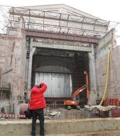 Небольшой провал. Четвертый раз переносятся сроки реконструкции Большого театра
