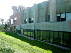 Центр дизайна и искусств Аронофф