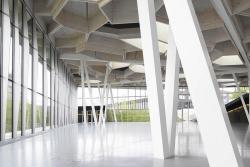 Столовая и актовый зал комплекса компании TRUMPF в Штутгарте. 2006-2008