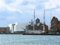 """Музей моря """"Ozeaneum"""" в Штральзунде. 2002-2008"""