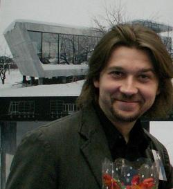 Дмитрий Гейченко перед своим стендом на Арх-Москве-2006