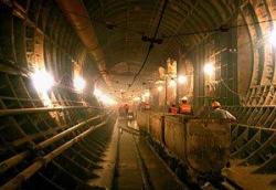 Подземная гипотеза Лужкова