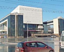 Драматический театр в Ростове-на-Дону построили в 1935 году архитекторы А.В. Щуко и В.Г. Гельфрейх. Фото Марины Новиковой