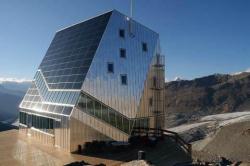 Хижина Monte Rosa была открыта 25 сентября 2009 года, через шесть лет после старта проекта. Фото Dino Rossi,WICONA