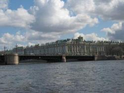 Дрезден и Петербург учились в одной школе