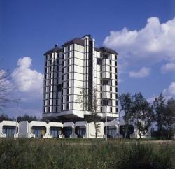 Зачем Москве еще один отель-гигант? Зарах Илиев и Год Ниссанов метят в Книгу рекордов Гинесса