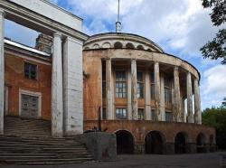 Марат Гельман откроет «Центр современного искусства» в здании речного вокзала Твери