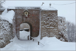 Реконструкция Изборской крепости