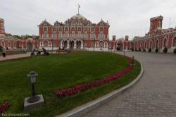 Экскурсия в Петровский путевой дворец