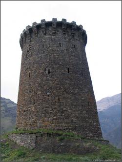 Боевая башня и прочие достопримечательности селения Ицари
