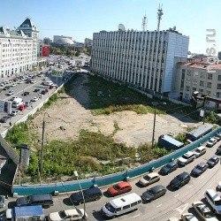 «Строить на площади Ленина нецелесообразно». Новосибирцы поддержали создание сквера на месте бизнес-центра, а мэр еще не решил