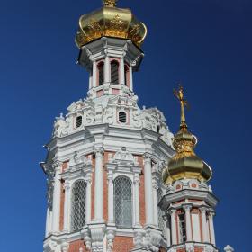 Компания «Славдом» поставляет материалы для реставрации храмов в Санкт-Петербурге