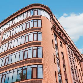 Противопожарные системы «АЛЮТЕХ» – профильное решение для безопасных зданий