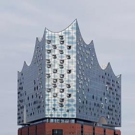 Guardian Glass – на фасаде Эльбской филармонии