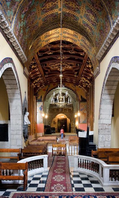 Интерьер Армянского собора Успения Пресвятой Богородицы во Львове. Вид из алтаря.