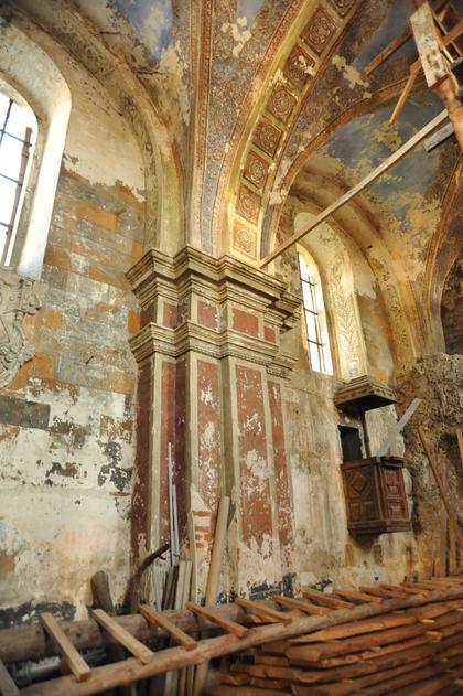 Армянская церковь в Бережанах. Интерьер.