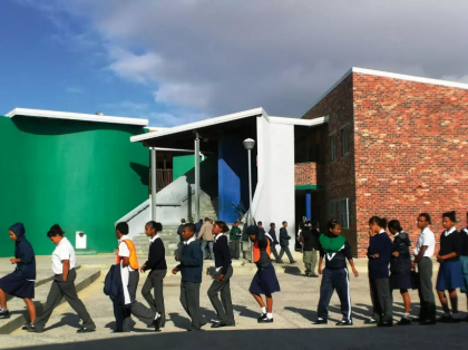Carin Smuts, New Westbank Primary School, Kuilsriver, Western Cape, South Africa. Photo: uia-architectes.org